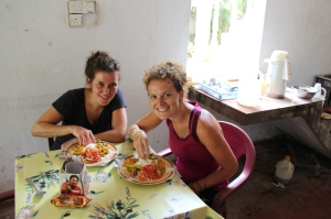 A sign of adaption: eating curry with our hands (Lena and me)